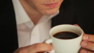 evitar cafeina